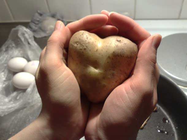 Supporting image - heart shapped potato