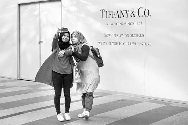 Girls outside Tiffany - supporting image