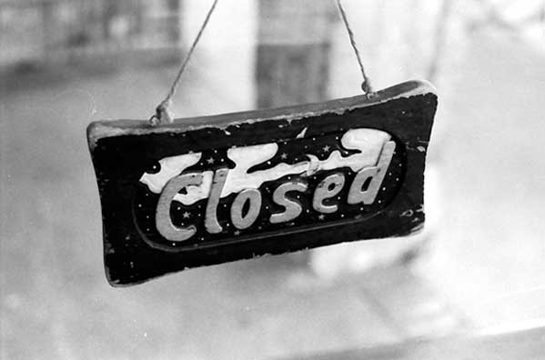 Shop closed sign - supporting image